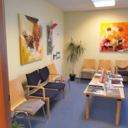Wartezimmer Dr. med. Jeries Khalil, Sande, Facharzt für Innere Medizin, Hausarzt, Landkreis Friesland, Ernährungsmedizin, Männermedizin, Rettungsmedizin, Reisemedizin